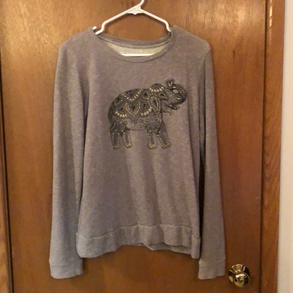Tops - Embroidered elephant sweater